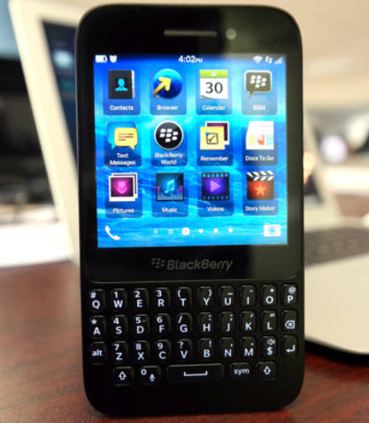 BlackBerry, smartphone, BlackBerry Q5, smartphone review, mobile OS, BlackBerry OS 10, mobile platform, BlackBerry 10.1, Waterloo, Q5 review, BlackBerry Q5 review